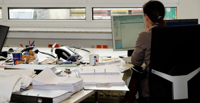 Comment et à quelle fréquence faut-il nettoyer ses bureaux ?